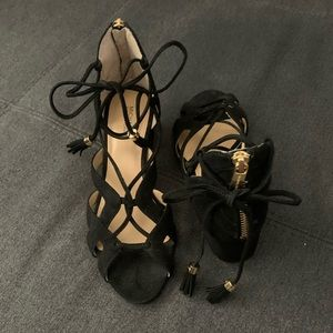 Michael Kors black lace up heel 8.5